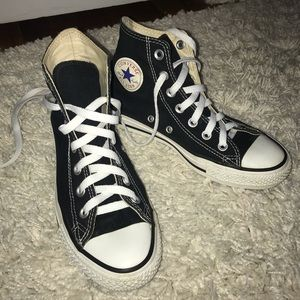 Black Chuck Taylor high top converse